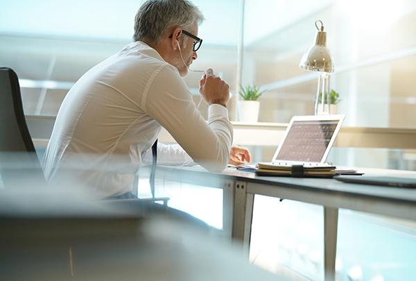 Разминка при офисной работе необходима